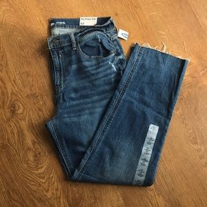 Woman's old navy ankle length denim. NWT size 12